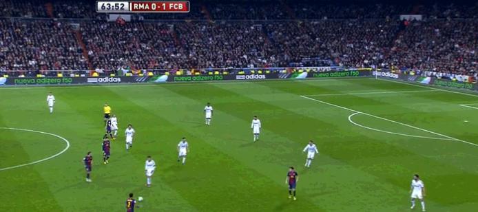 4-5-1 mit Cristiano auf rechts und auf Alves pressend