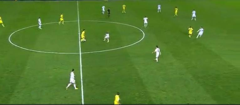 Isco übernahm im Spiel gegen den Ball die linke Seite, Ronaldo zockte hinter dem Rechtsverteidiger, wo er nach Ballgewinnen große Räume vorfand. Aus solch einem Konter resultierte zum Beispiel das Führungstor.