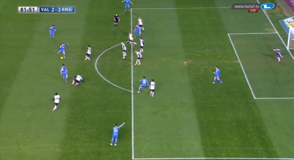 Modrics Vorlage bei Jeses Tor; zuvor hatte der Kroate noch sein Sichtfeld zur anderen Seite hin gehabt, doch er blieb stehen, drehte sich um und fand die passende Anspielstation, die zum Tor führte.