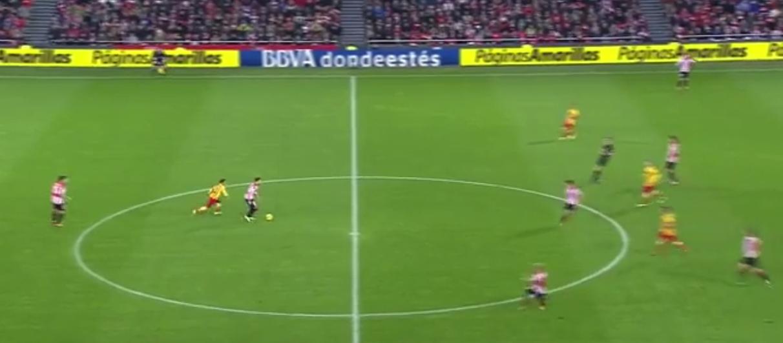 Neymar holt sich nach einem Ballverlust sofort den Ball wieder