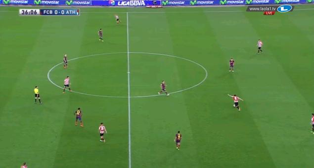 Neben Messi boten sich die Aufbauspieler des Mittelfelds von Athletic immer wieder an und zogen Barcelona damit auseinander.