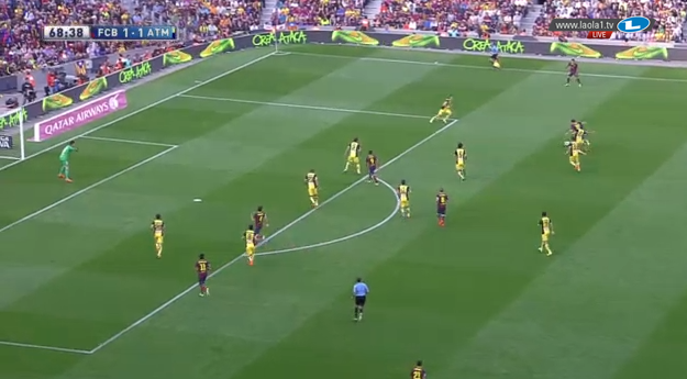Messi attackiert.