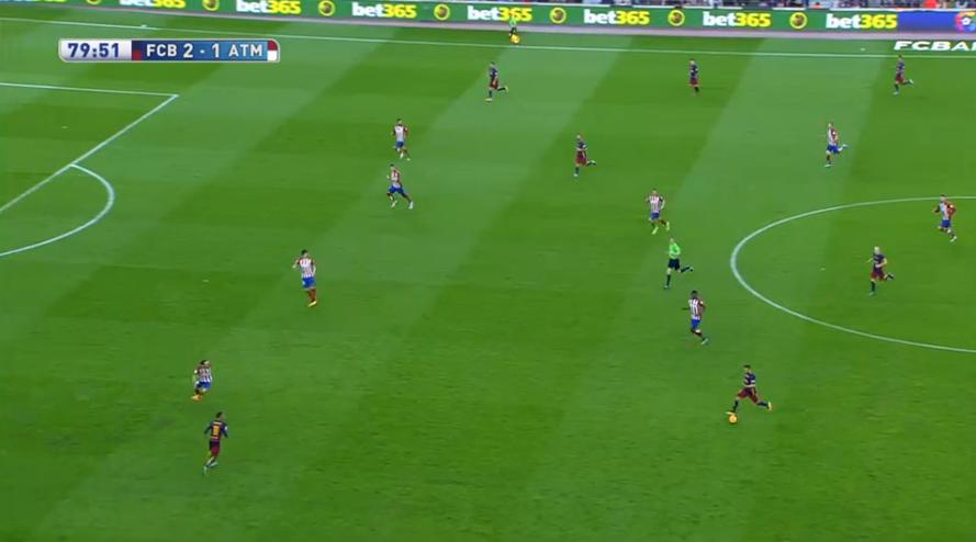 4-3-1 bei Atlético. Oft wie eine Mittelfeldraute ohne Stürmer davor.